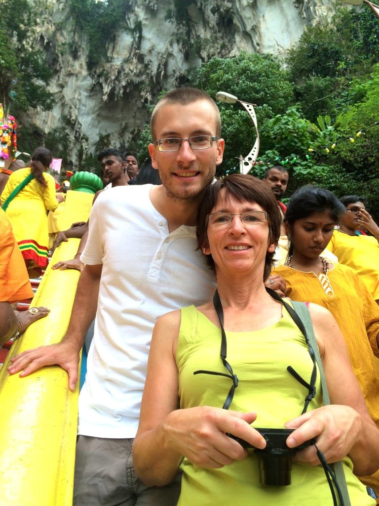Adri & Danielle v Batu Caves při Thaipusam :)